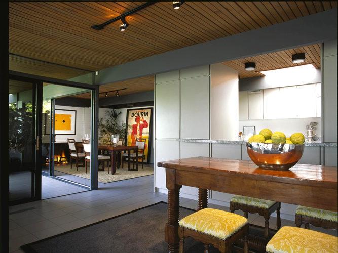 Kitchen Bar-1